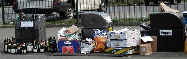 Müll auf der Alaunstraße
