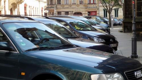 Parken an der Kirche wird es künftig nicht mehr geben.
